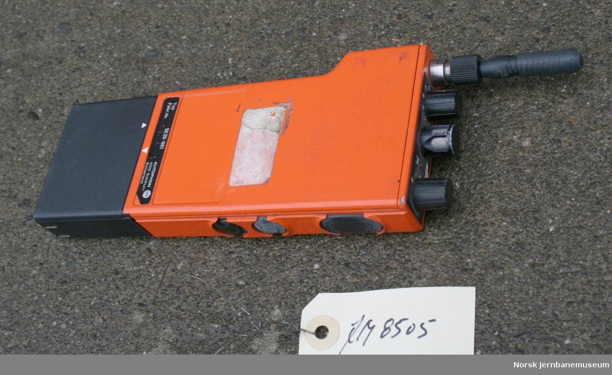 Skifteradio Fabrikat:  Ascom/Autophon Type SE 20-461  Fabr.nr. 27296