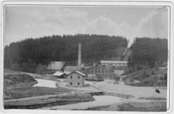 """Enligt text skrivet på kopian: """"Munkedal, bruket omkr. 1880"""""""