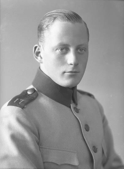 """Text till bilden: """"No 974 Karl Nyström""""."""