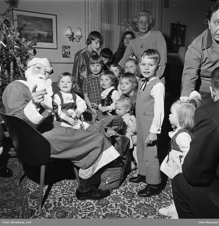 bolighus, interiør, stue, julenisse