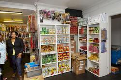 Miracle Afro Shop, kvinne, inngangsparti, vareutvalg