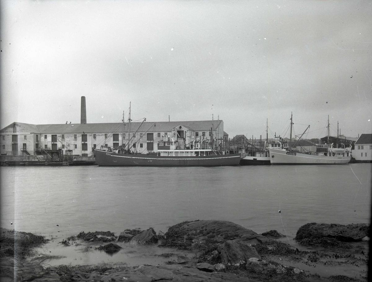 Småfartøy - havn - sjøhus