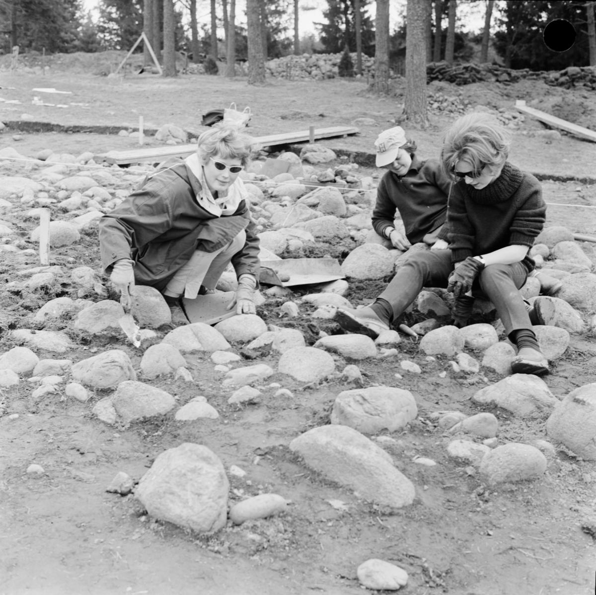 Arkeologisk undersökning, Dragby, Skuttunge socken, Uppland maj 1962