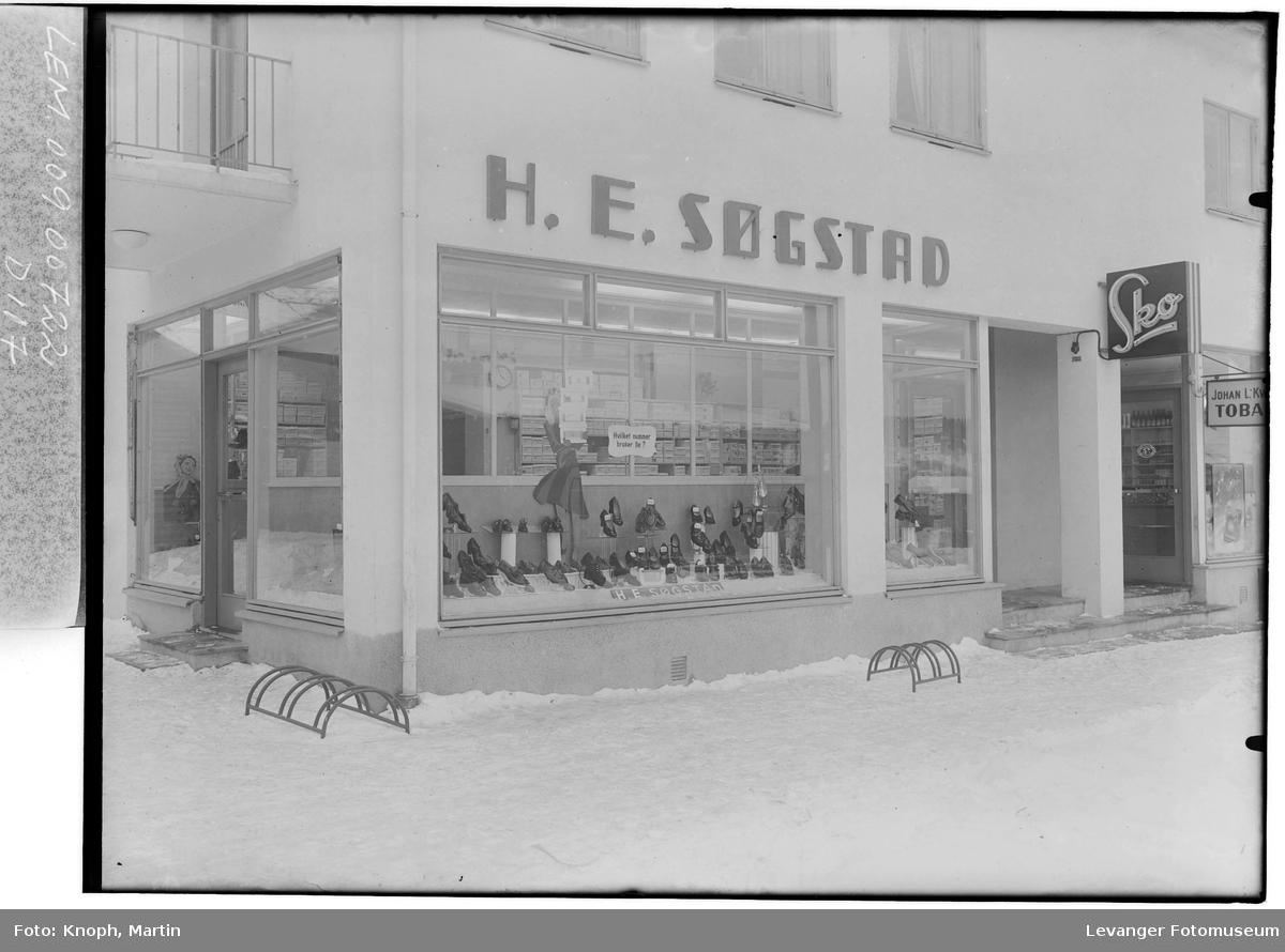 H.E. Søgstads skobutikk på Steinkjer  I
