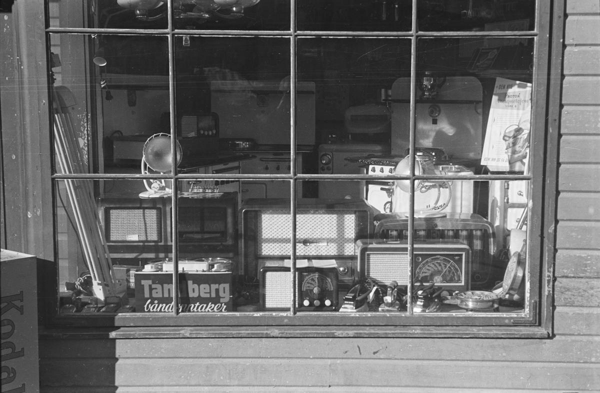 Utstillingsvindu, Syringens butikk. Leiret, Elverum.