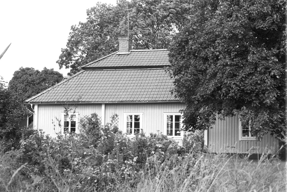 Boningshus, Klivinge 5:2, Rasbokils socken, Uppland 1982