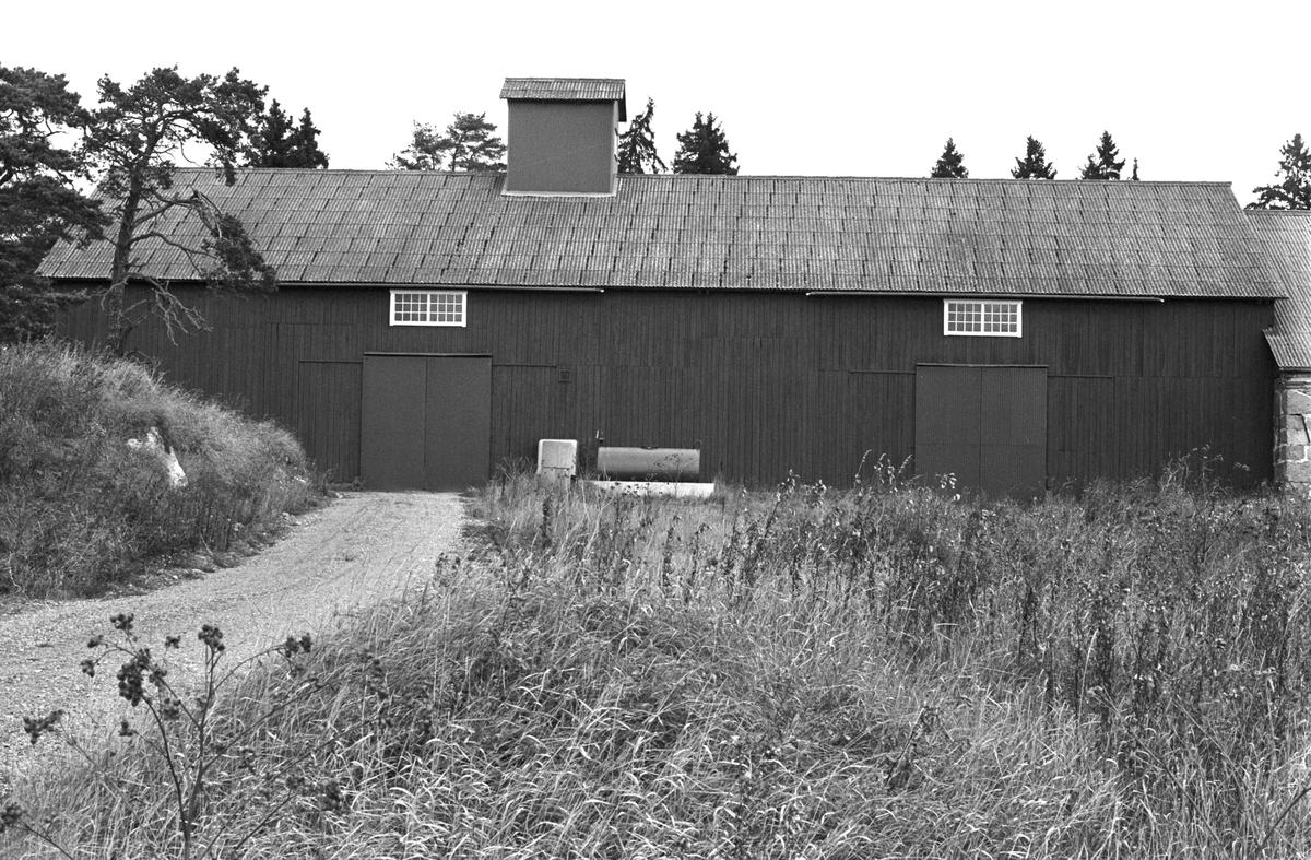 Lada, Ingla gård, Ingla 4:1, Skogs-Tibble socken, Uppland 1985
