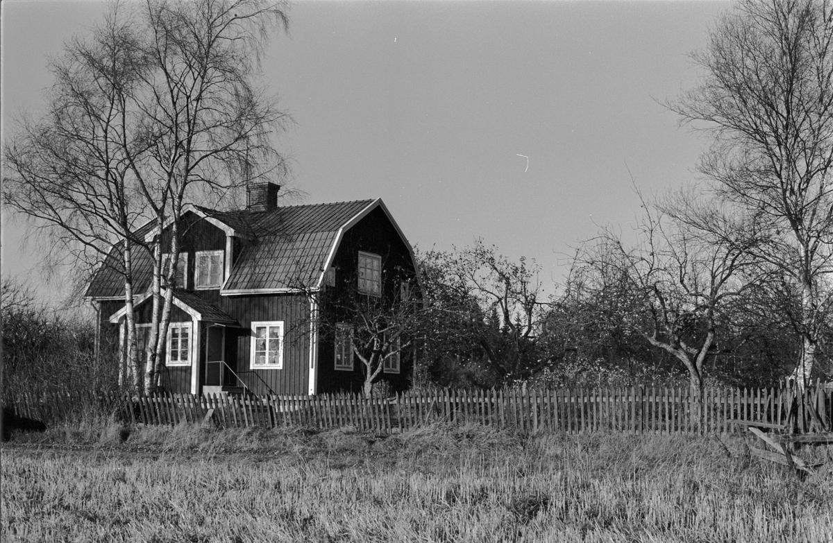 Bostadshus, Skillsta 1:13, Skogs-Tibble socken, Uppland 1985