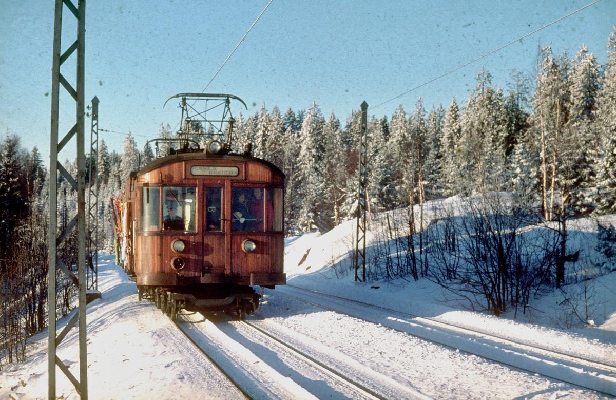A/S Holmenkolbanen. Tryvannsbanen. Vogn type 1951.