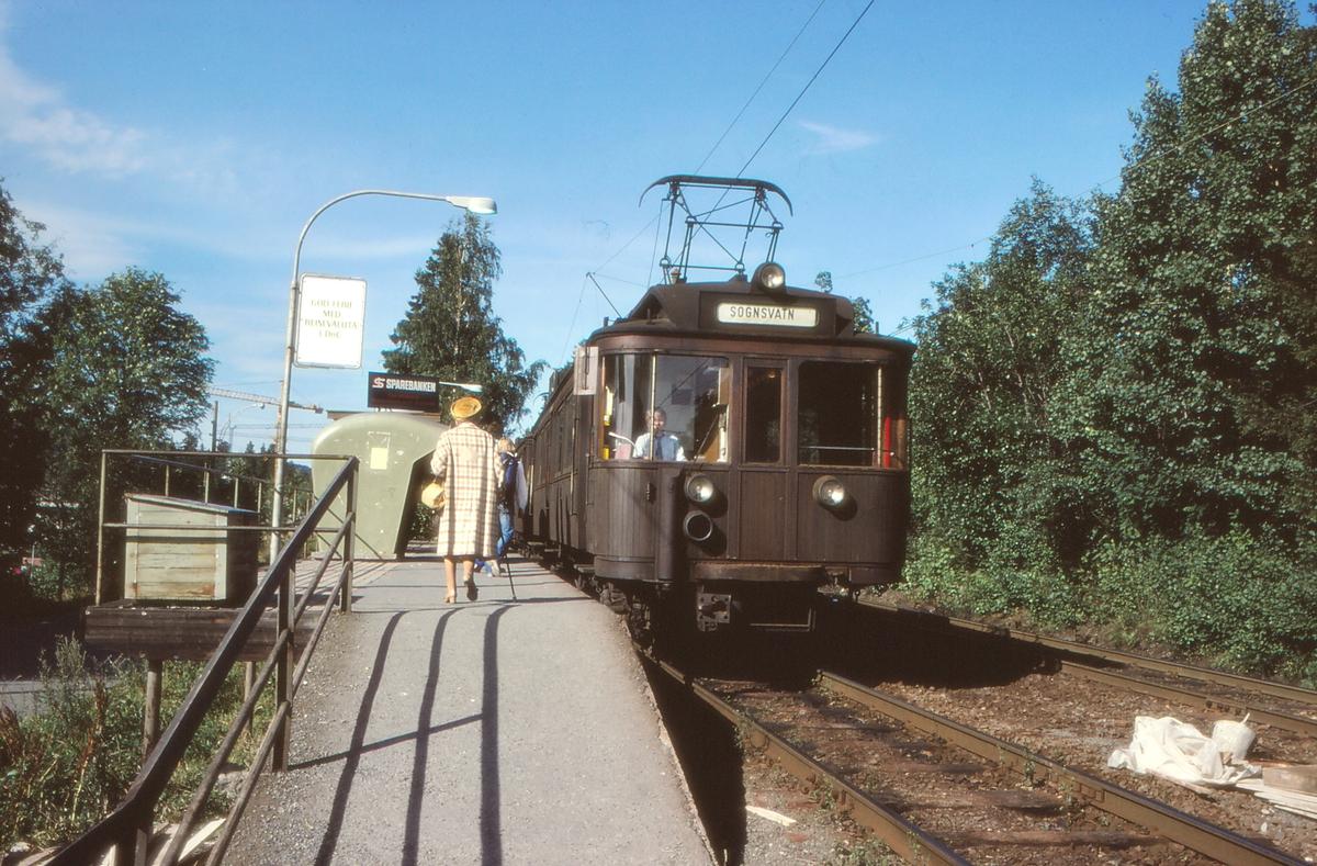A/S Holmenkolbanen. Oslo Sporveier. Sognsvannsbanen.  Vogn 42, type 1914 (Skabo, Westinghouse, HKB verksted)
