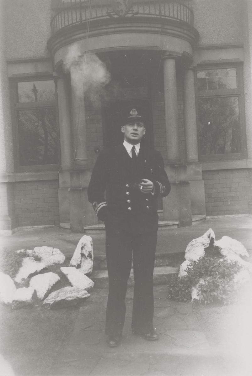 Motiv: Marinens Kvinnekorps 1942/1945 Løytnant xx.