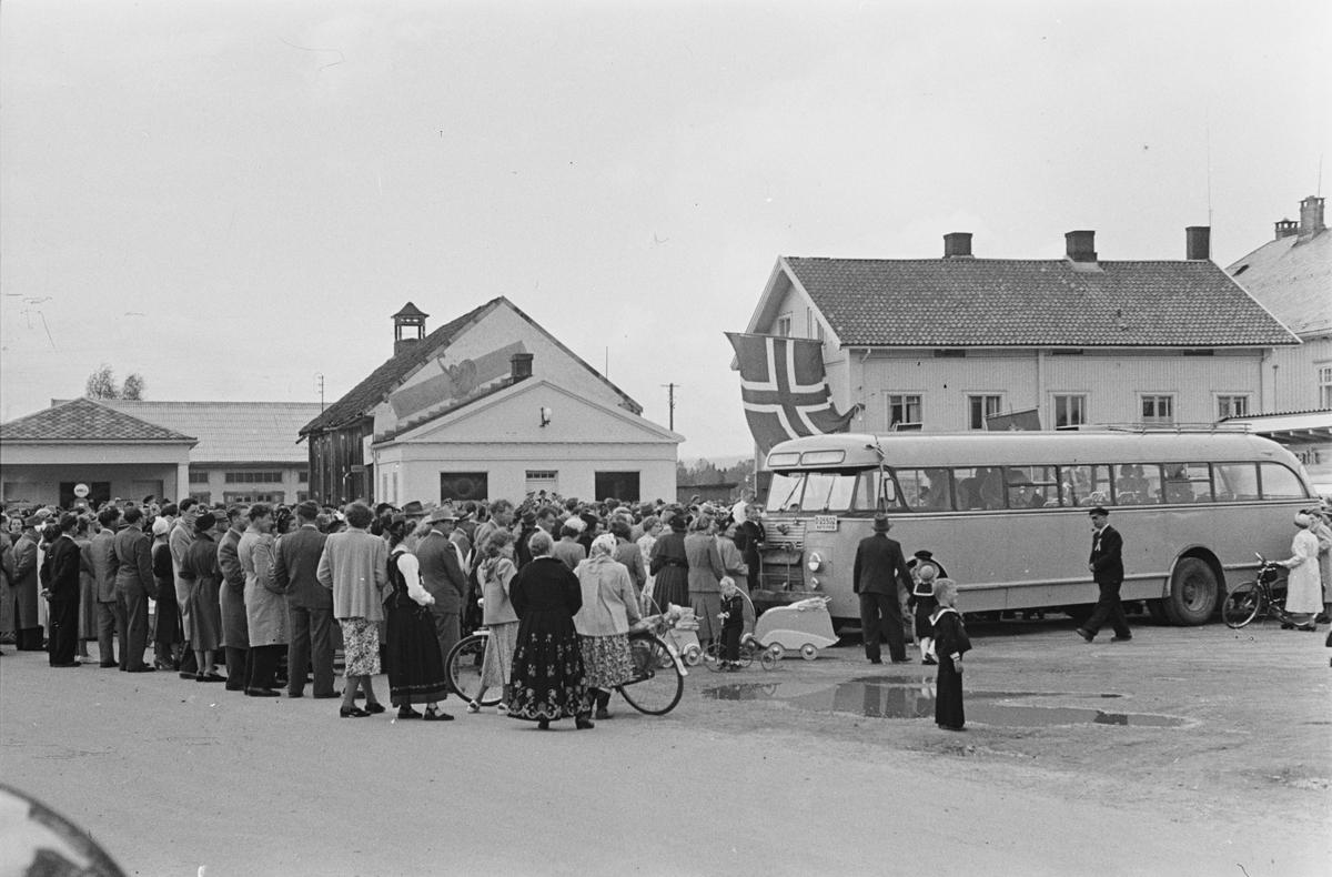 17. mai. Elverum. 1953. Østmoehjørnet.