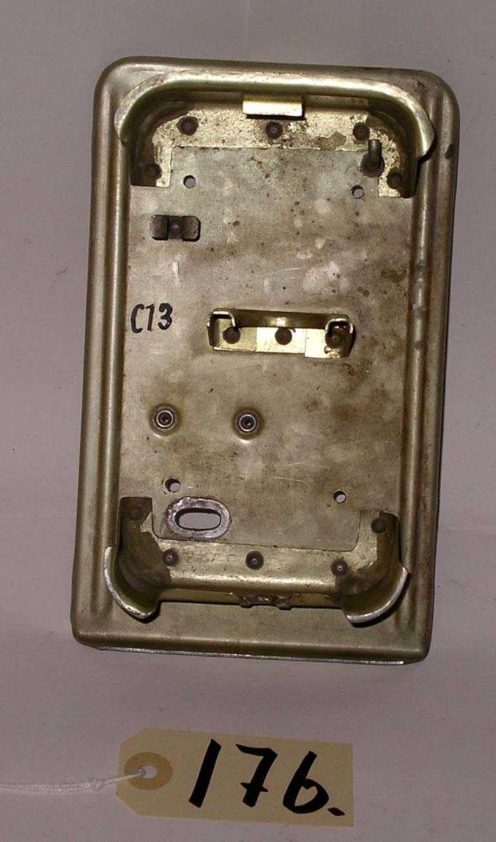 Gjenstanden er merket C13 med håndskrift.