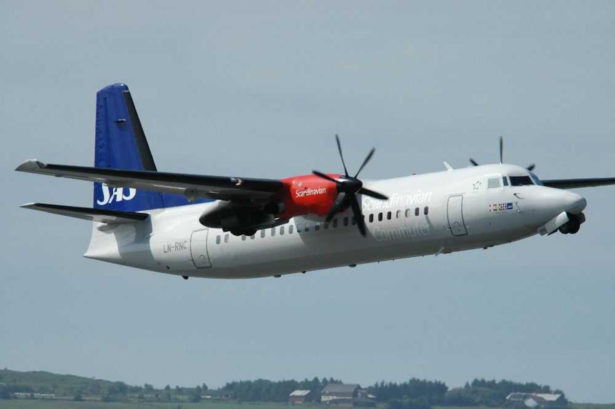 Ett fly i lufta. Fokker 50, LN-RNC fra SAS Commuter