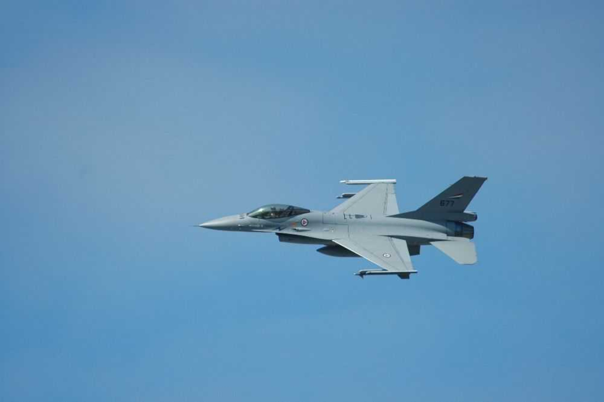 F-16 Jagerfly, 677