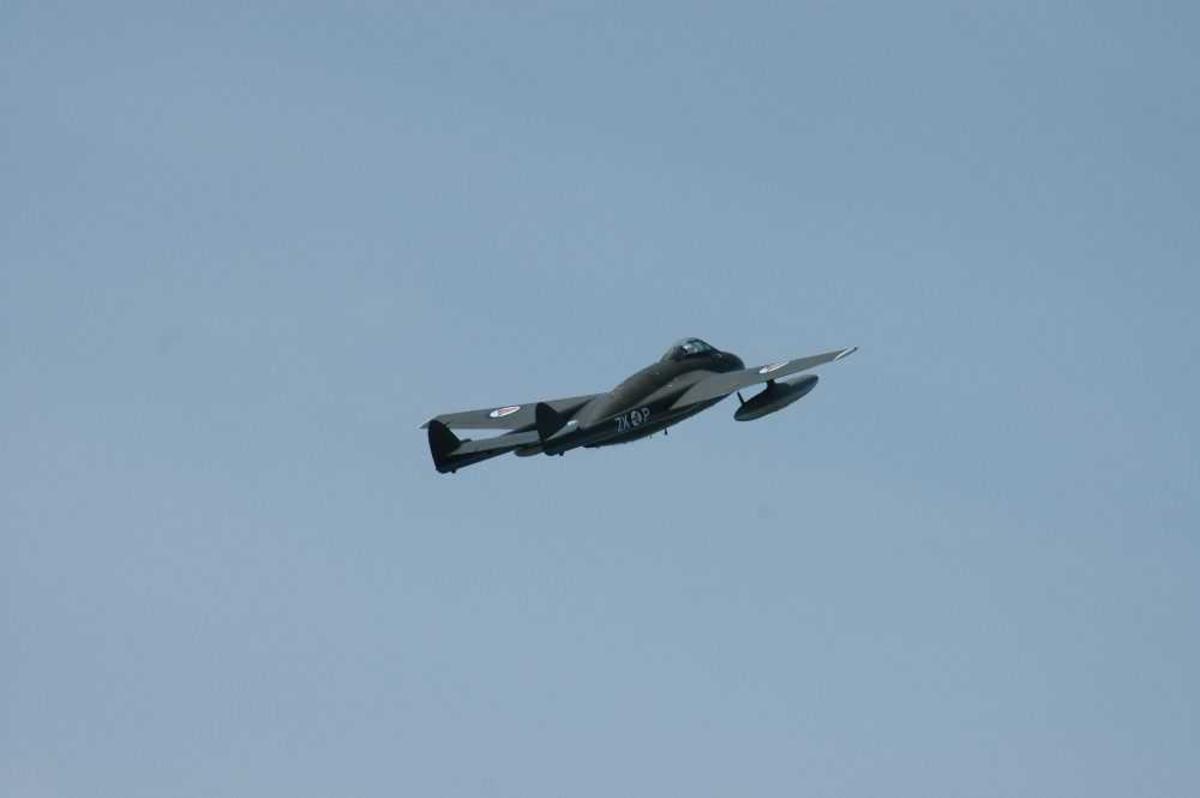 Ett fly i lufta, FFA Vampire FB6 (DH-100), LN-JET / ZK-P