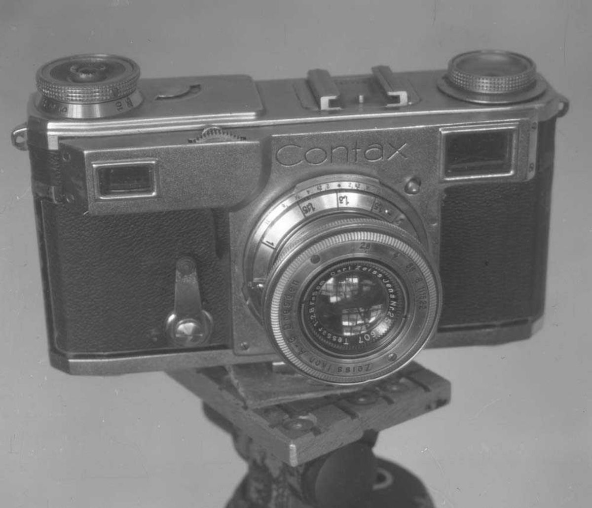 Fotografiapparat (fotoapparat) type Contax.