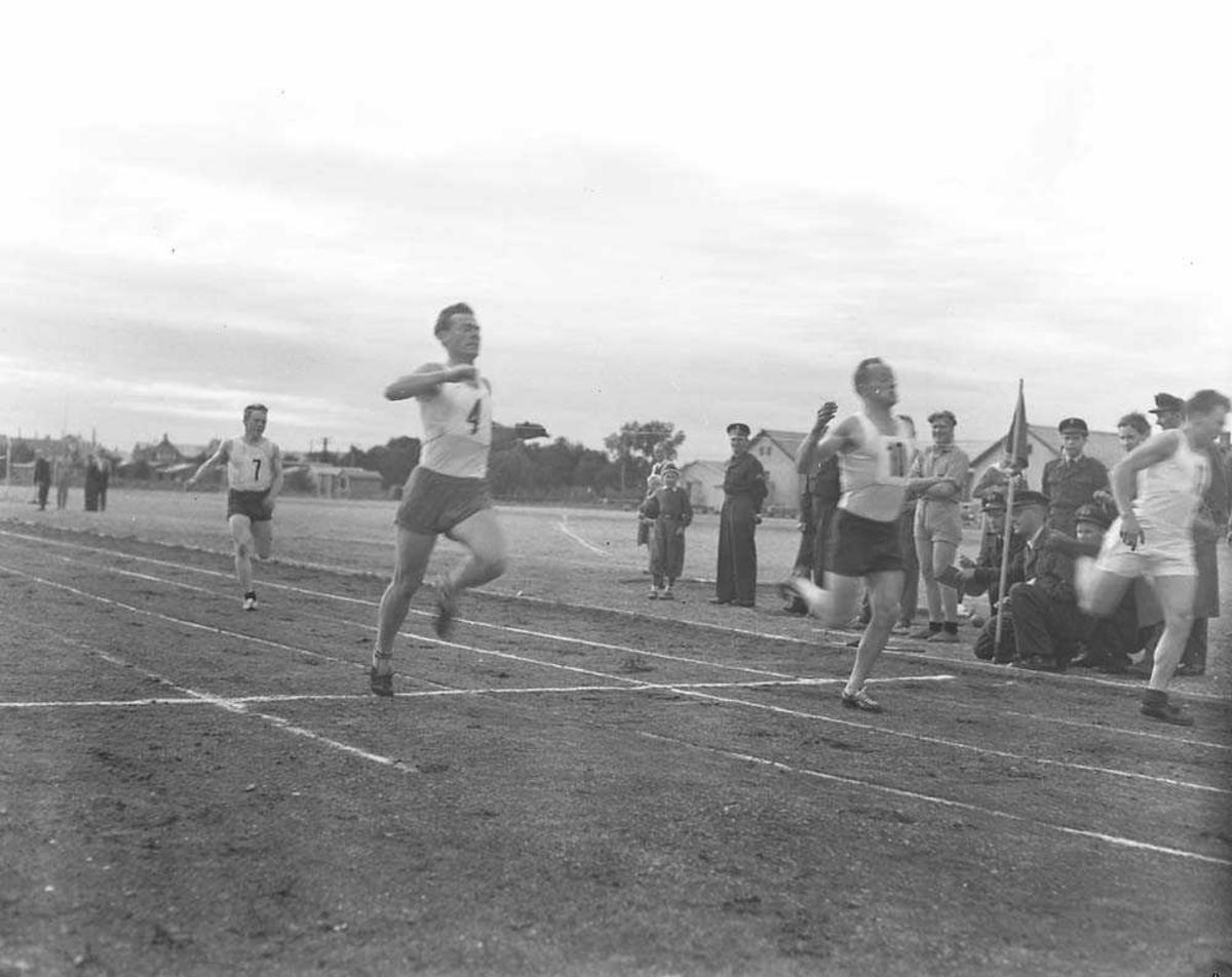 LK-mesterskap i friidrett på daværende idrettsbanen i Bodø.