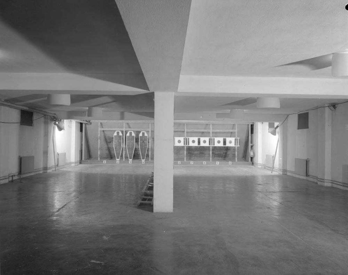 Interiør fra pistolbanen i Messe II på Bodø flystasjon.