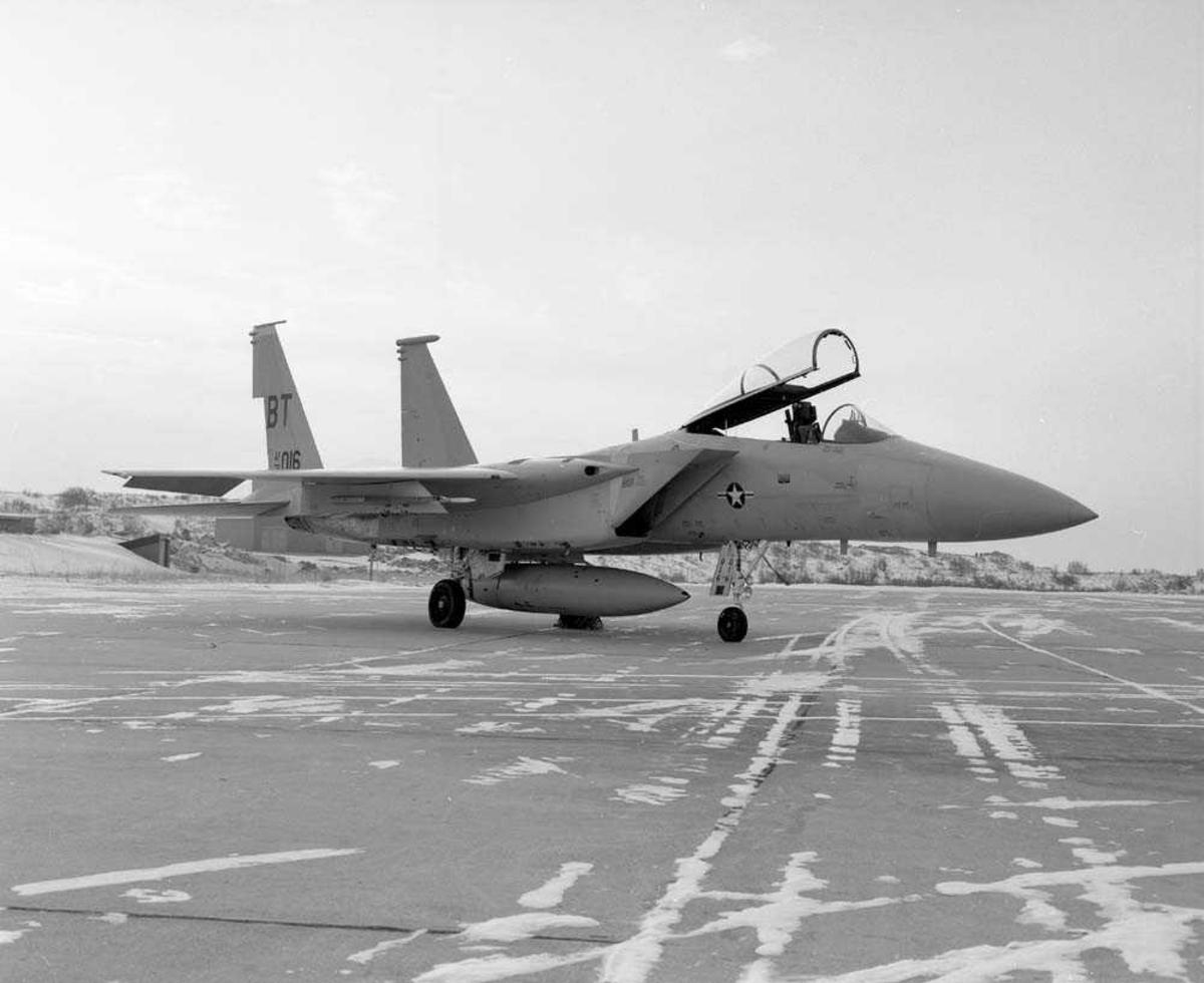 En F-15 fra USAF parkert på Bodø flystasjon.
