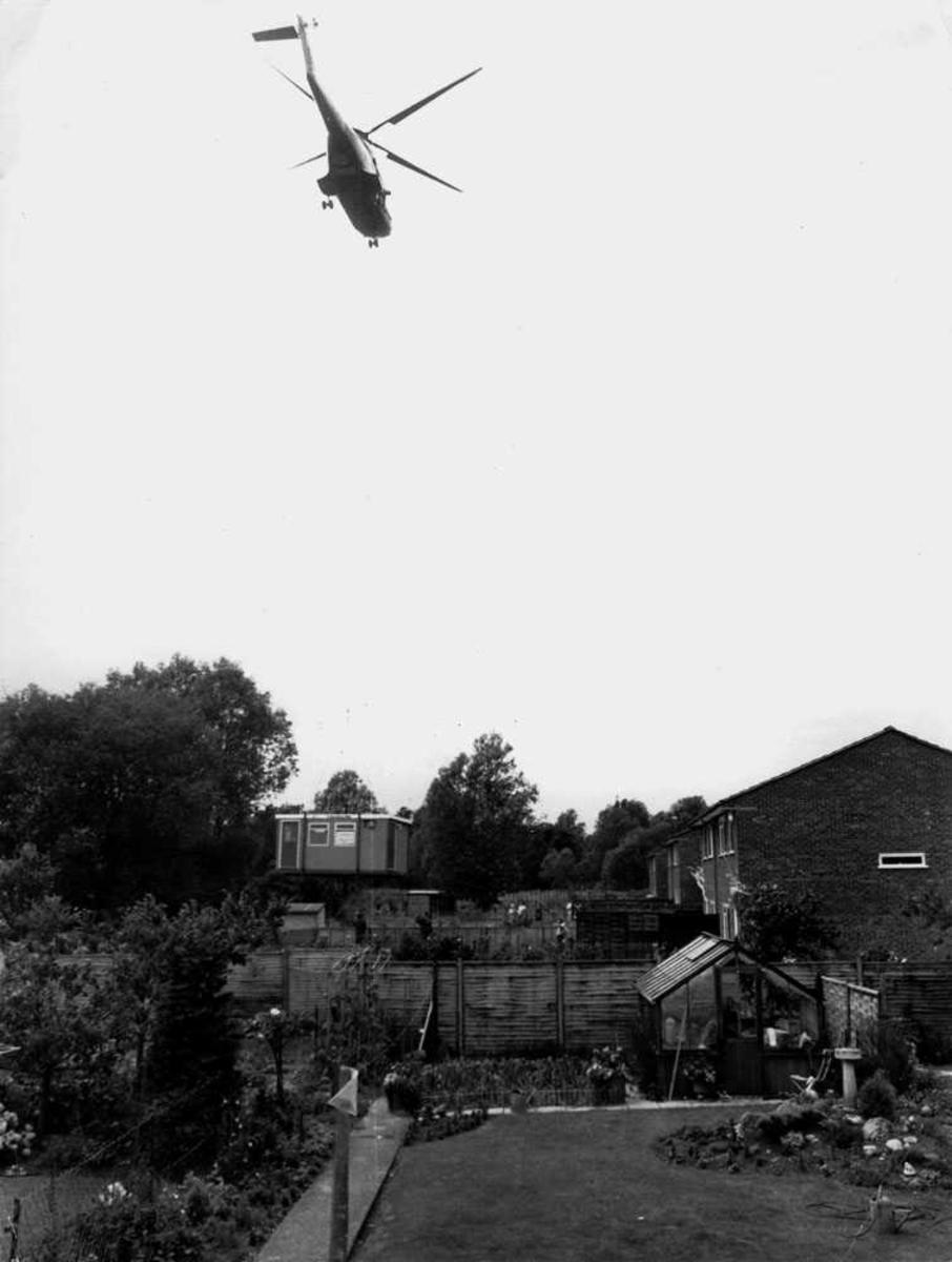 Ett helikopter i luften i luften.