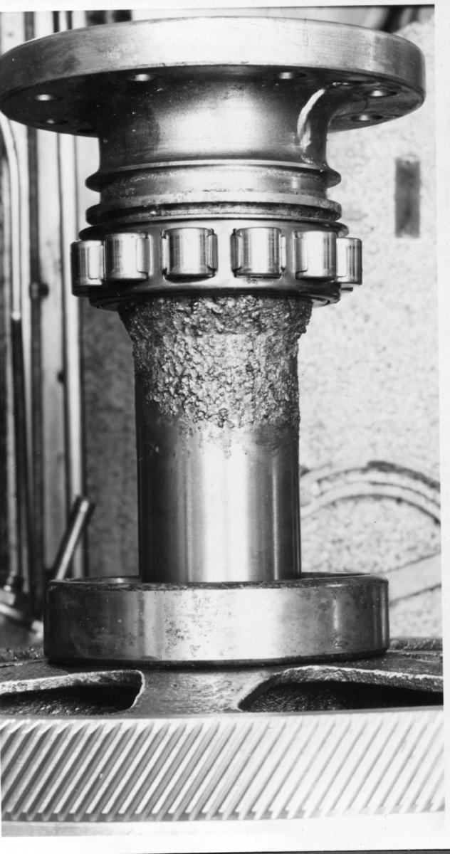 Övrigt: Jagaren Kalmar korrosion å axel till fläkt i förliga eldrummet.