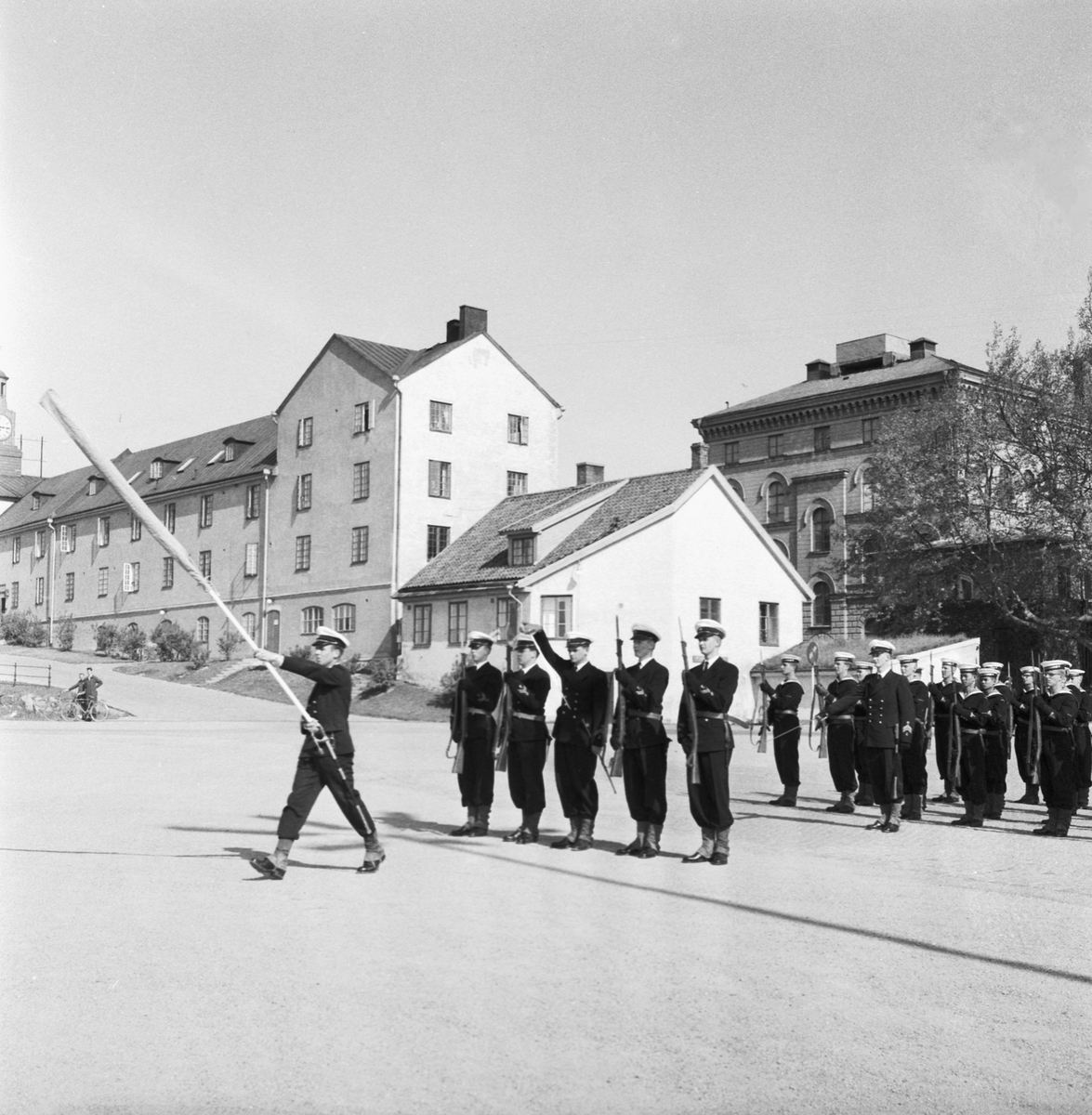 Övrigt: Foto datum: 22/6 1958 Byggnader och kranar Flottans musikkår