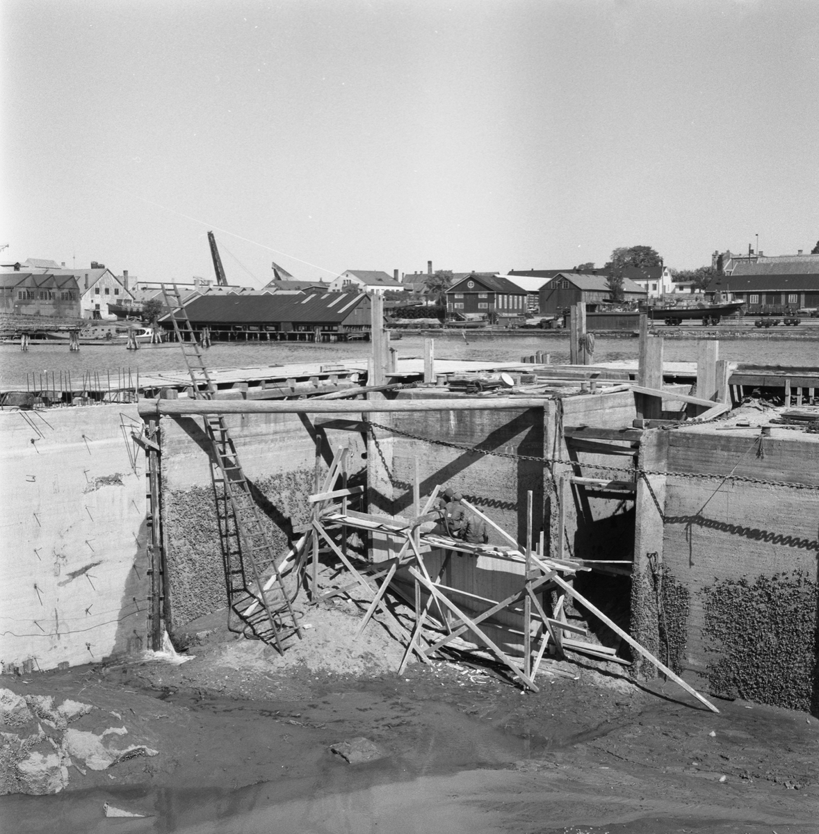 Övrigt: Fotodatum:23/5 1959 Byggnader och Kranar. Polhemsdockan (fångdammen)