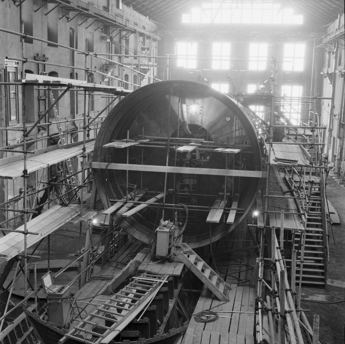 Rederi: Kungliga Flottan, Marinen Byggår: 1959 Varv: Örlogsvarvet, Karlskrona Övrigt: Ubåt under uppbyggnad i verkstaden.