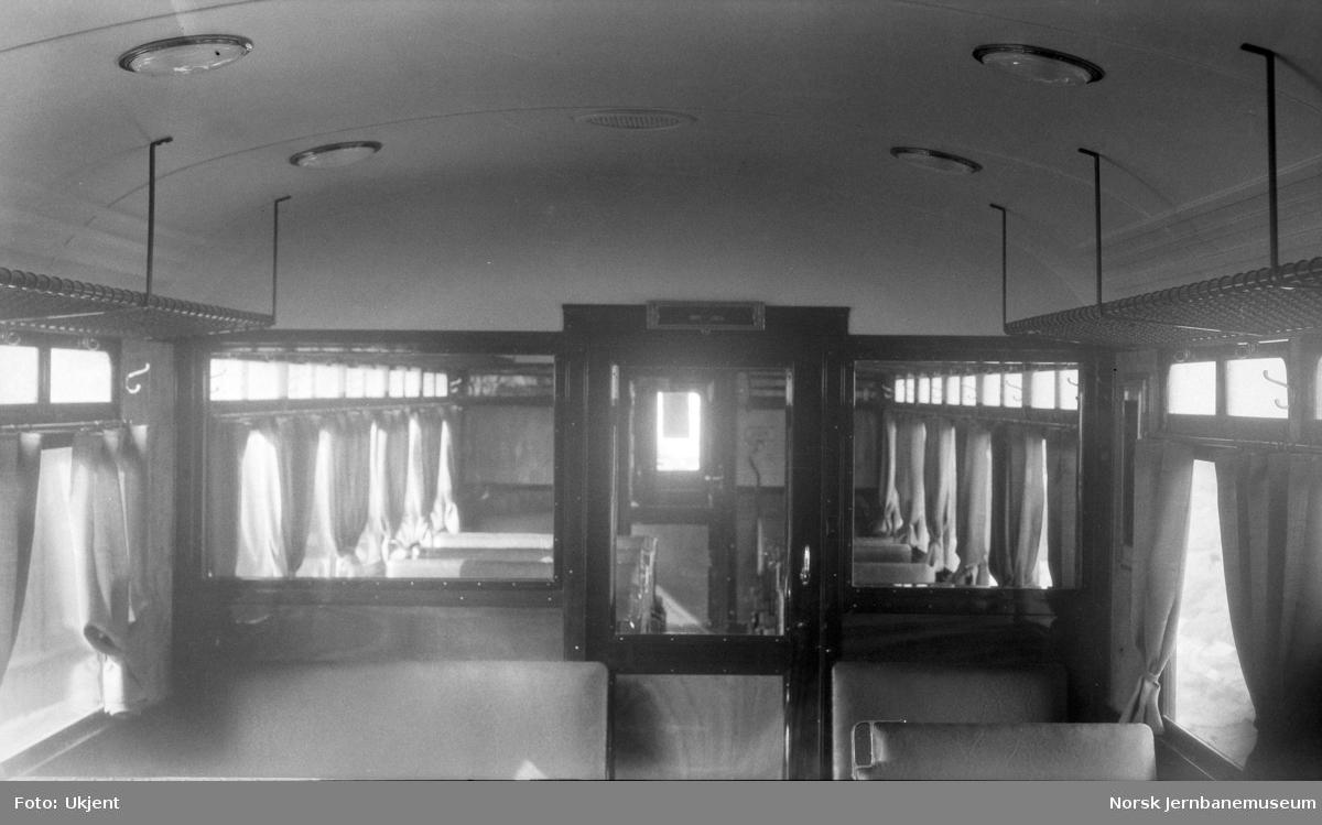 Interiørbilde fra elektrisk motorvogn litra Cmeo type 105 (BM 65