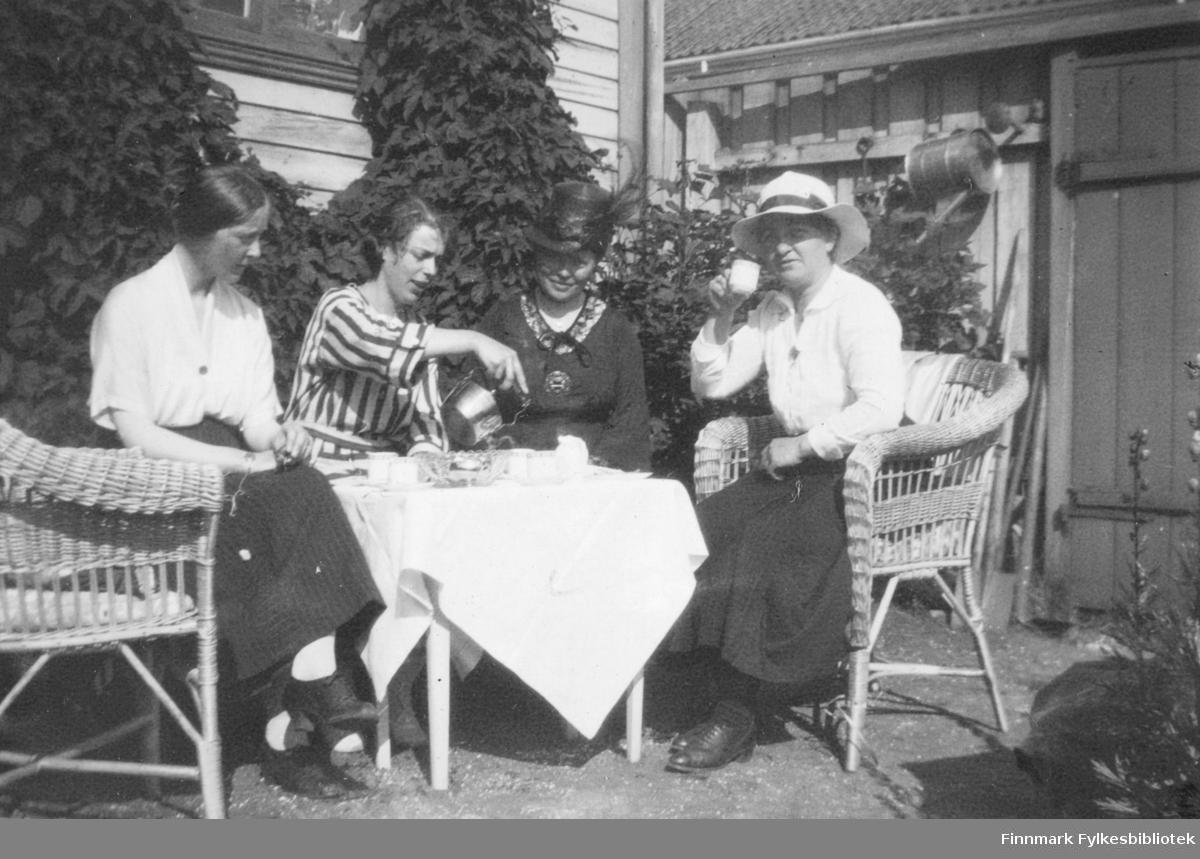 I Gundersens have sommeren 1921