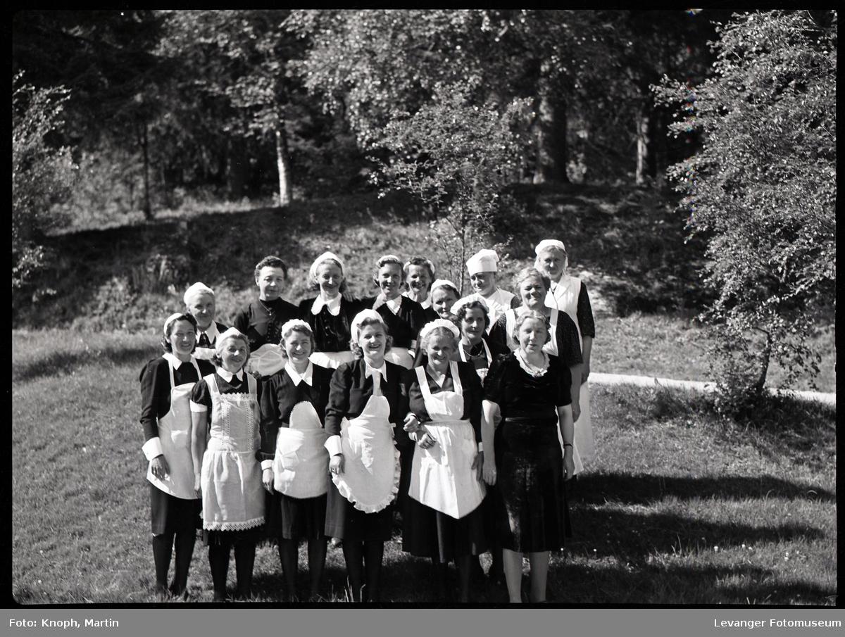 Kongelig besøk, kokker og servitører.