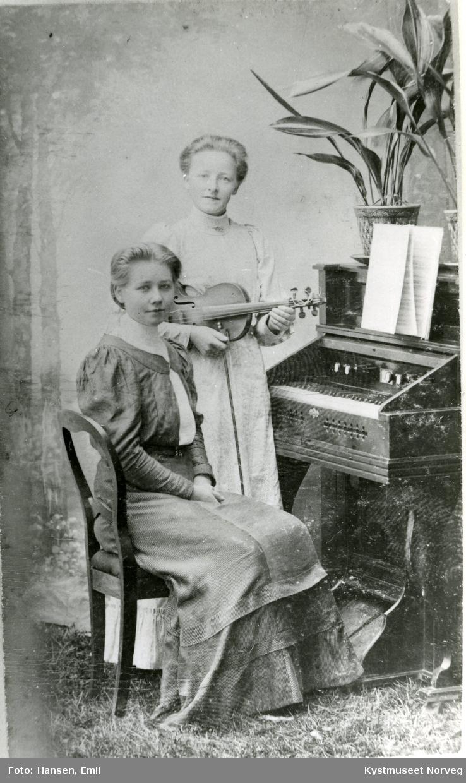 Anna Horsfjord og Aslaug Knutsen