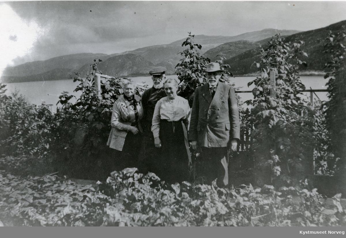 Misjonærene Sarah, Joseph John Armistead og Justine og Konrad Hustad