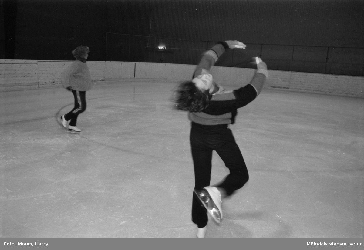 Isdans i Åby ishall i Mölndal, år 1985. Ines Klubal.  För mer information om bilden se under tilläggsinformation.
