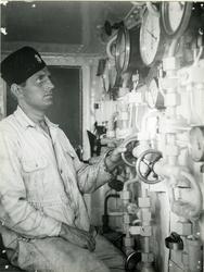 I maskinrummet på en jagare, juli 1944.