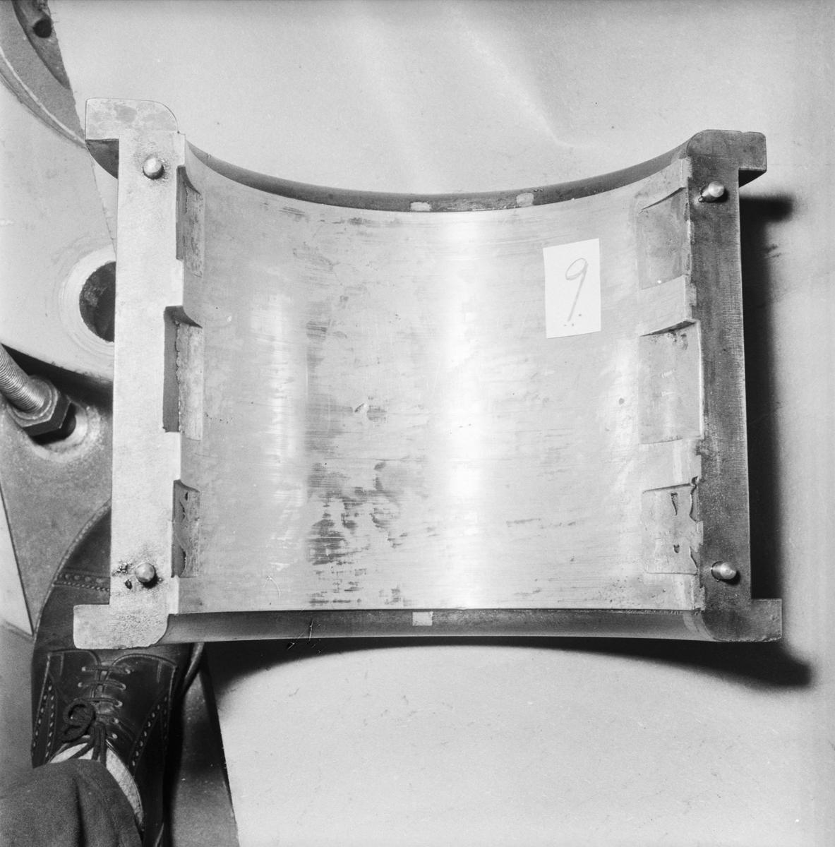 Övrigt: Foto datum: 3/3 1956 Byggnader och kranar Kraftcentralen disel gjutfel. Närmast identisk bild: V8721, ej skannad