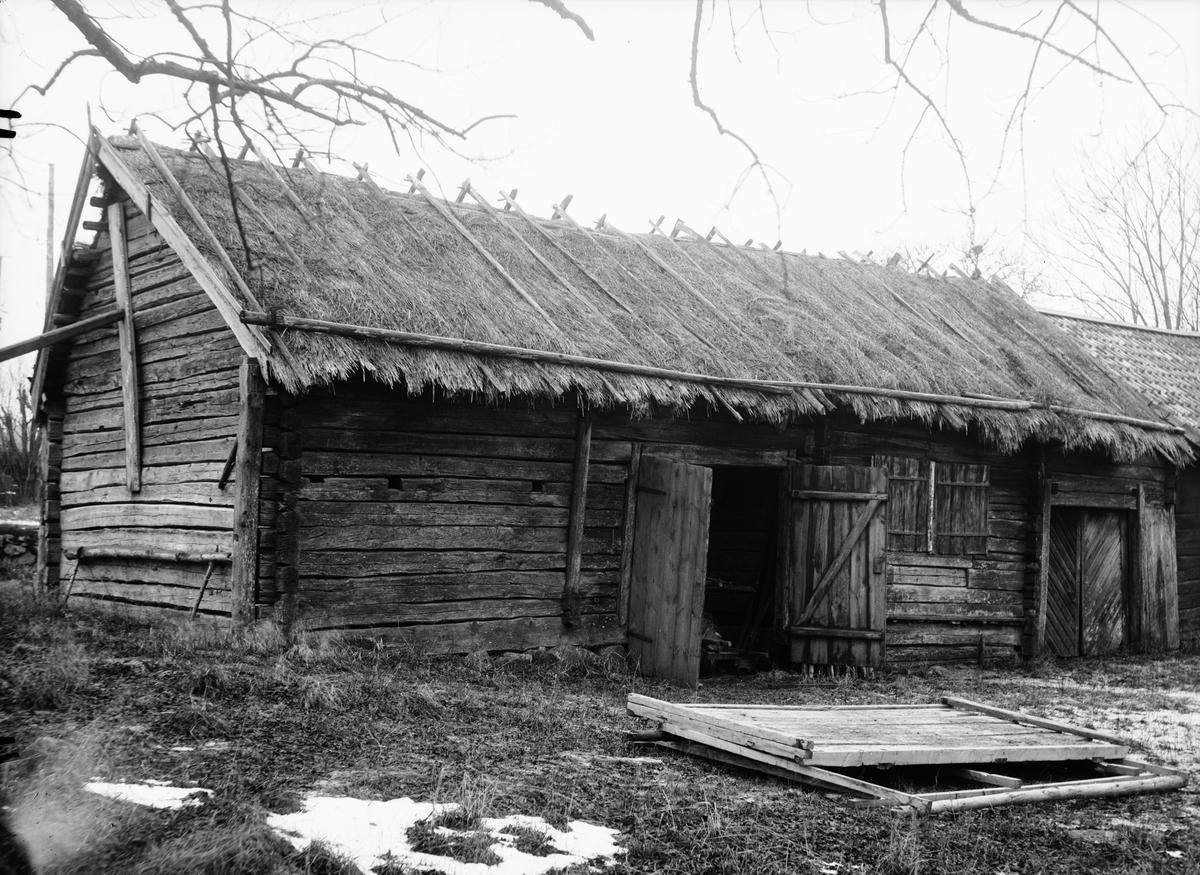 Portlider, Kvekgården, Fröslunda socken, Uppland 1933