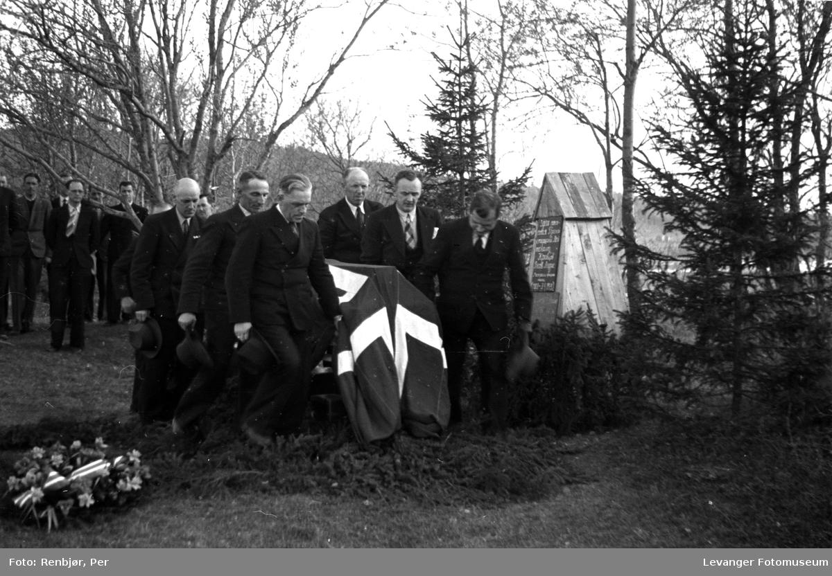 Flytting av russiske, sovjetiske krigsfanger fra Moan i Levanger til Levanger kirkegård.