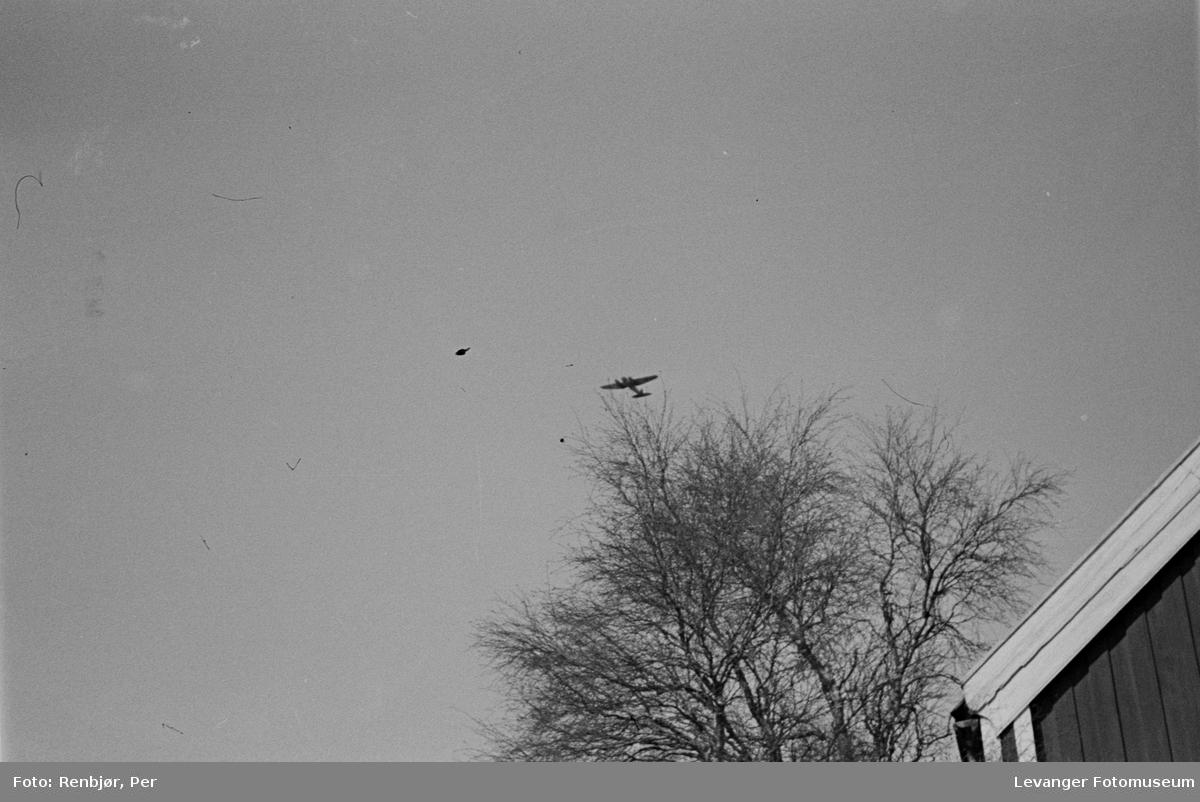 Oppklaringsfly over Levanger sentrum