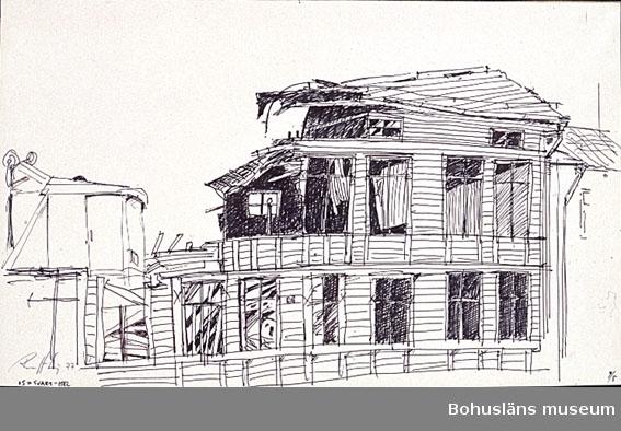 Rivning av byggnad, troligen i Uddevalla.