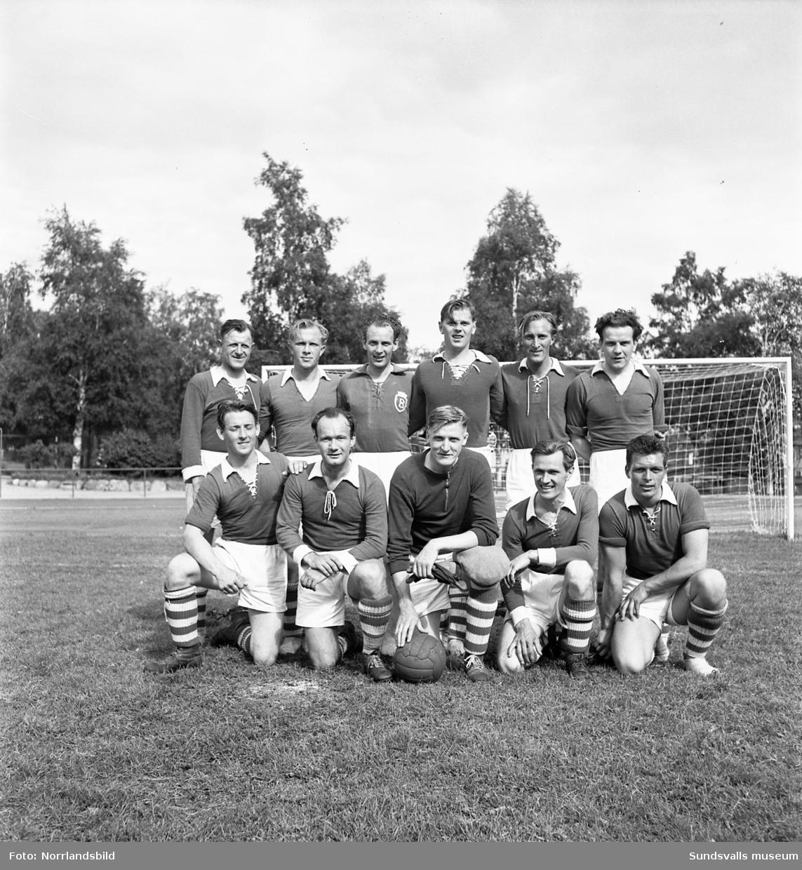 Fotbollsmatch i Idrottsparken mellan brandkåren Sundsvall och brandkåren Gävle.