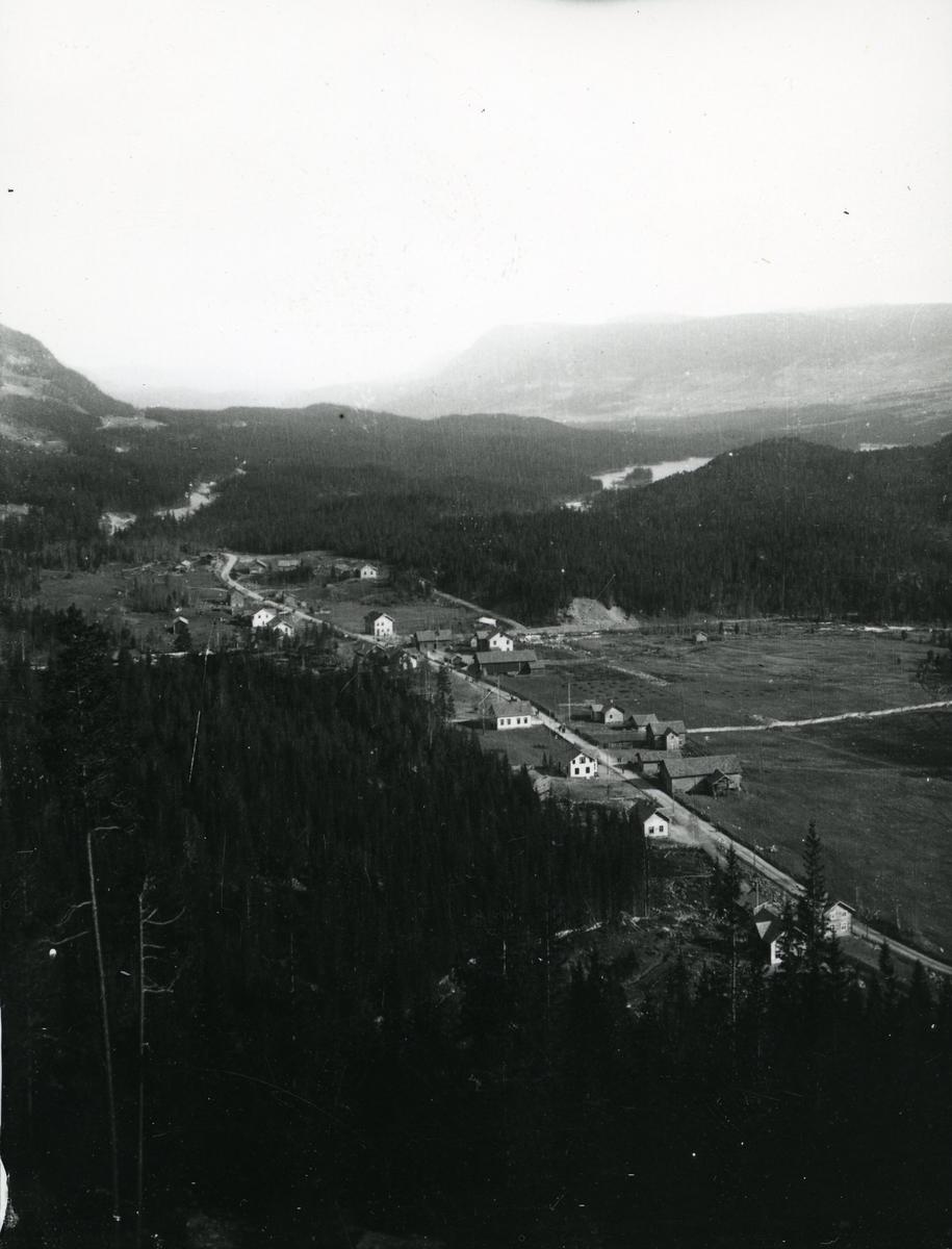 Oversiktsbilde over Leira, Nord-Aurdal. Bildet er tatt i 1905