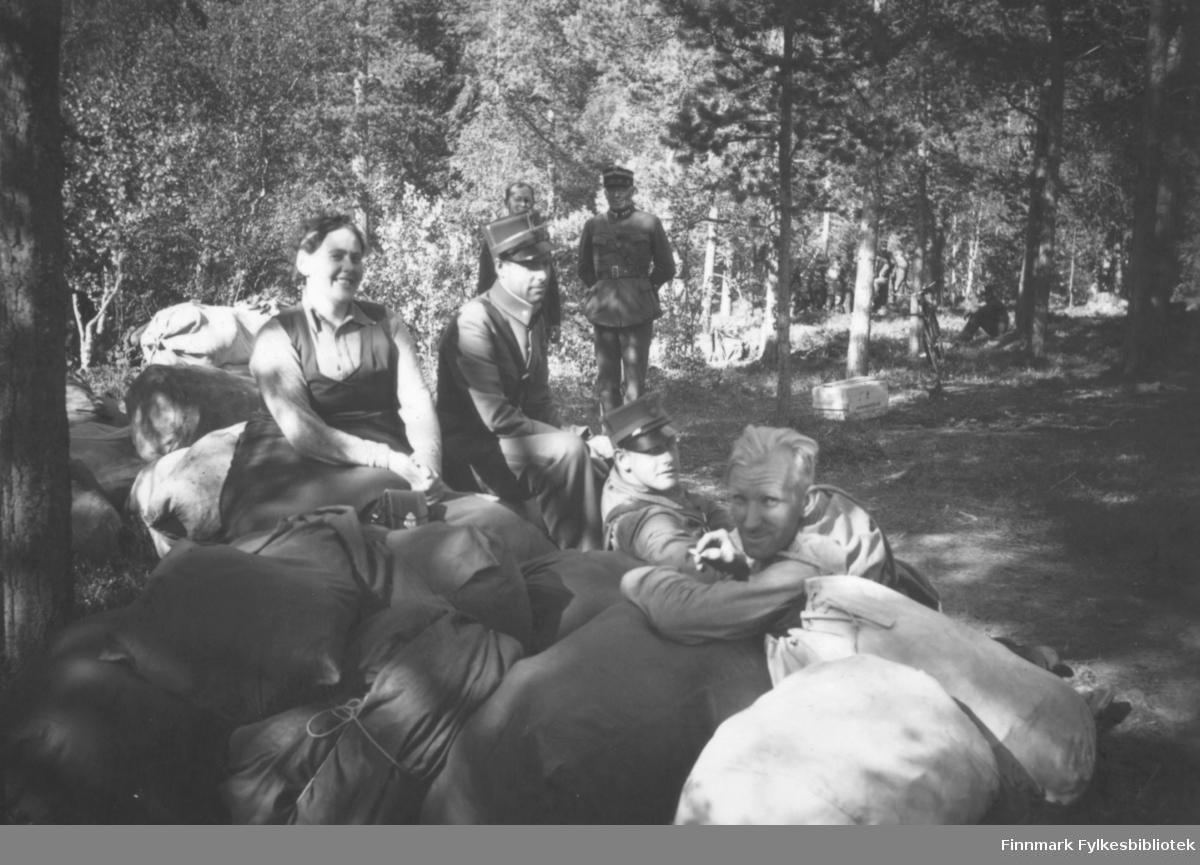 Ved oppbruddet fra Sokkelmamoen - soldater og offiserer fra Altagård hadde vært på øvelse her i 1939