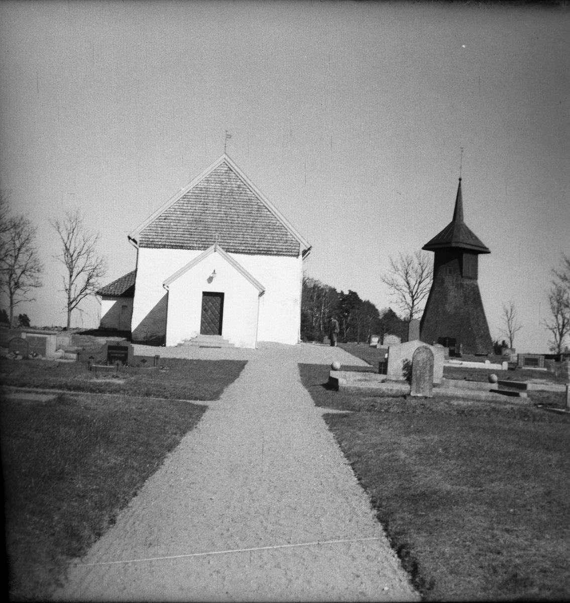 Siene kyrka med klockstapeln fr. v.