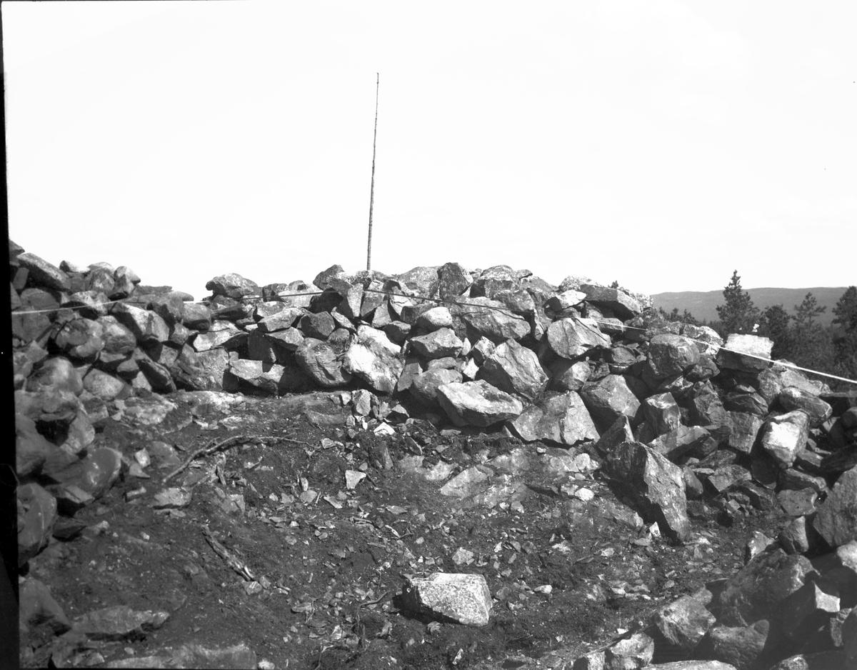 Röset under restaurering s.ö. schaktet från s. Egersknatten  Vårvik