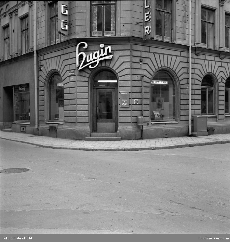 Kvarteret Venus, hörnan Kyrkogatan-Nybrogatan. Hugin kassaregister.