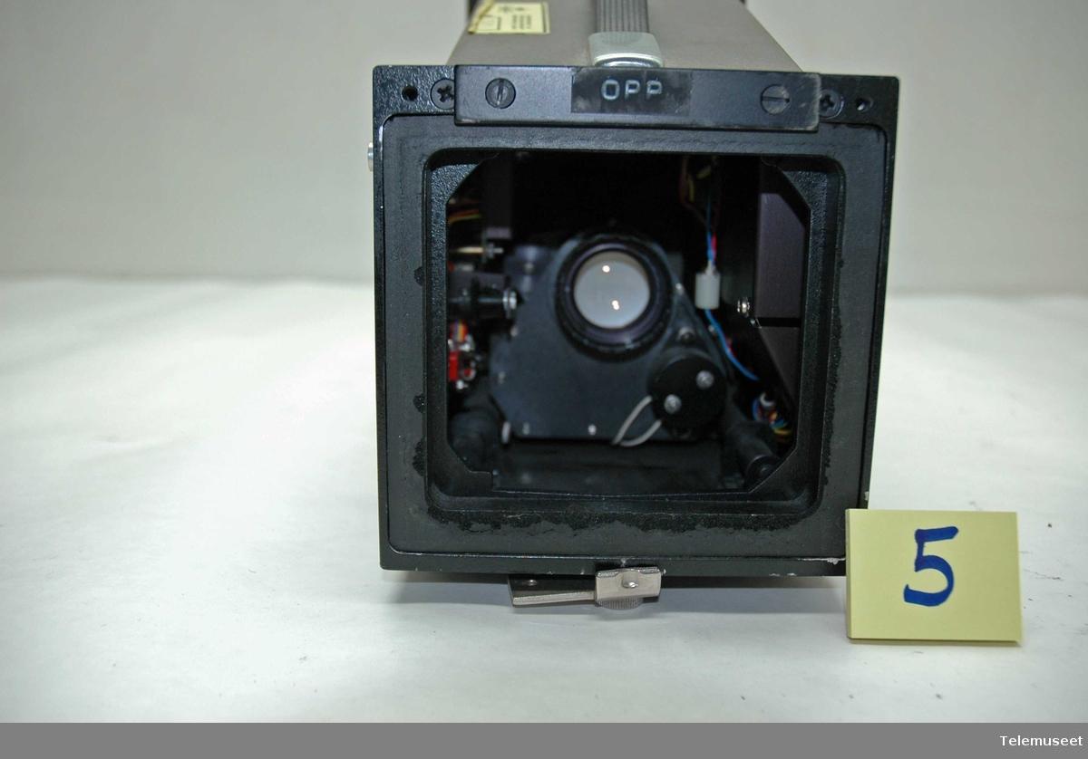 Nr 197A. Polaroid, for fotografering av skjermbilde til Textronix oscilloskop 7623