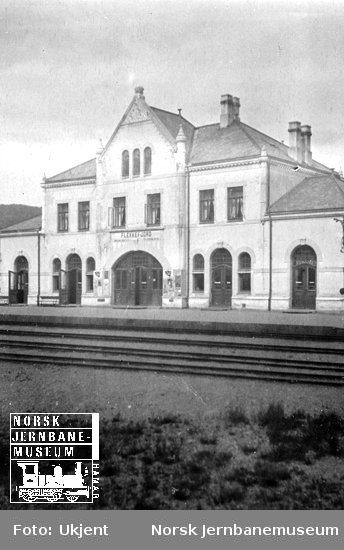 Flekkefjord stasjonsbygning