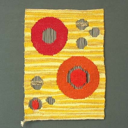 Bildväv med lingarn i varpen och trasor i inslaget, kallad trasflamsk.